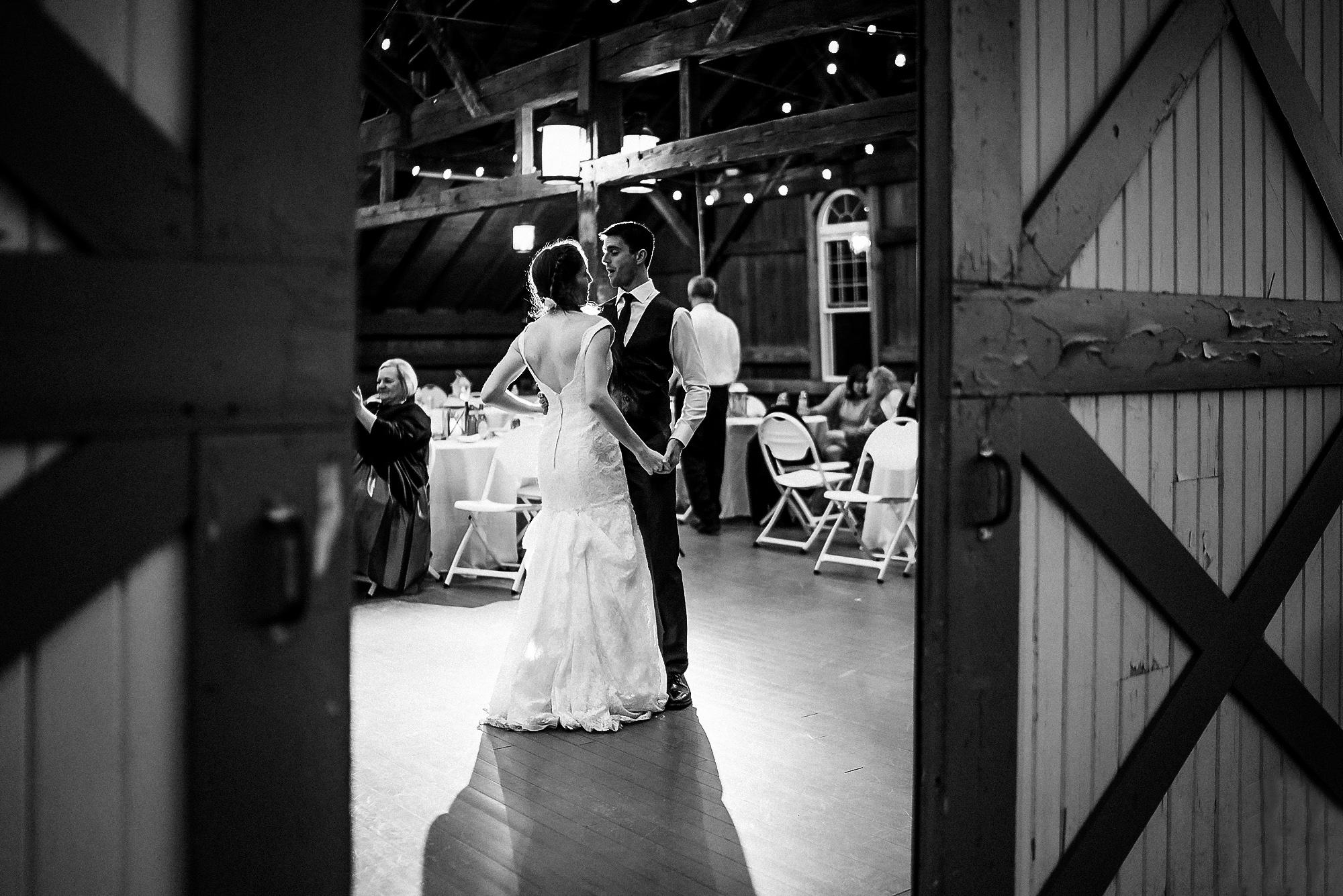 Polen-Farm-Wedding-Photos-14.jpg