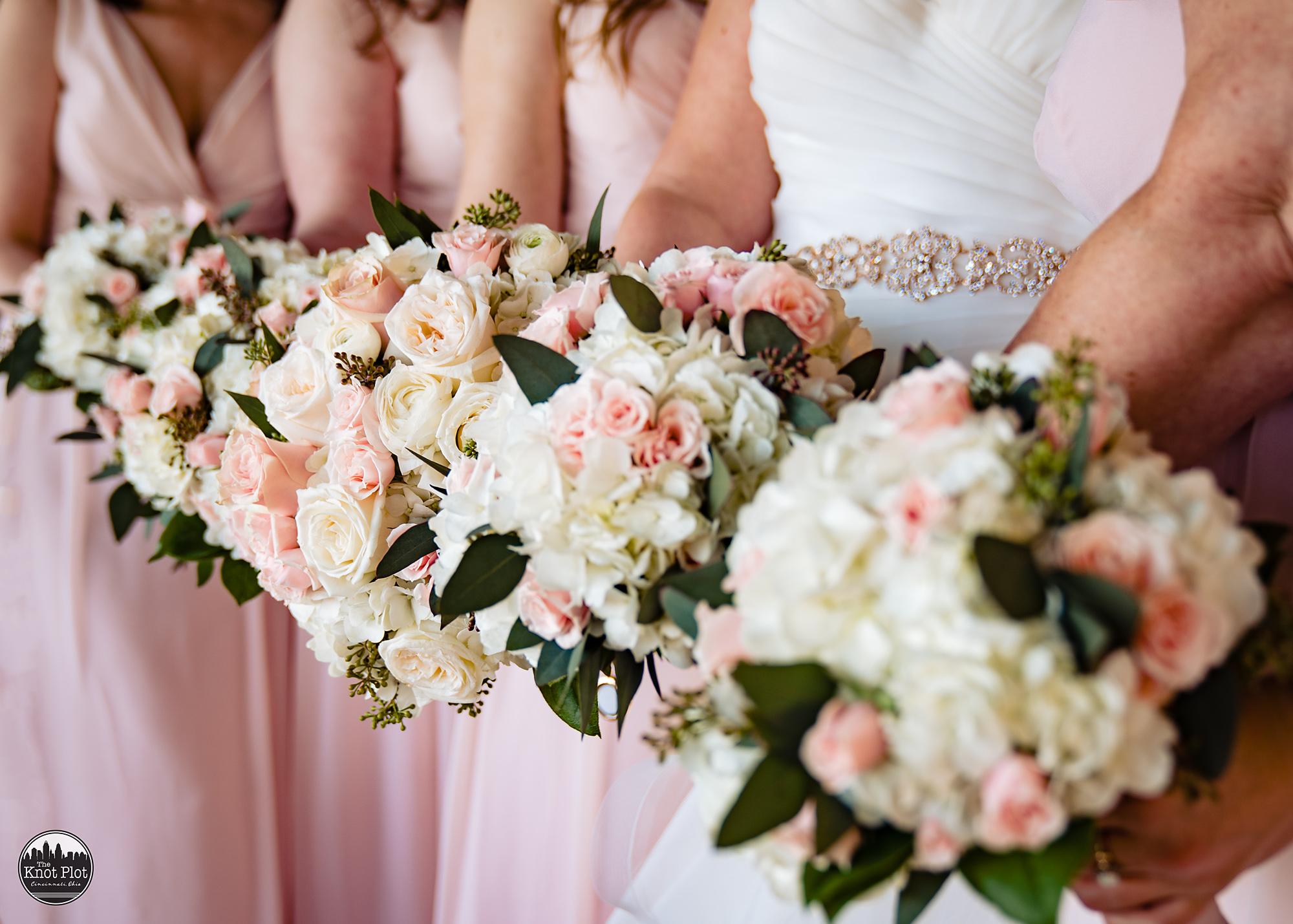 Oscar-Event-Center-Jungle-Jims-Cincinnati-Wedding-Photography-7.jpg