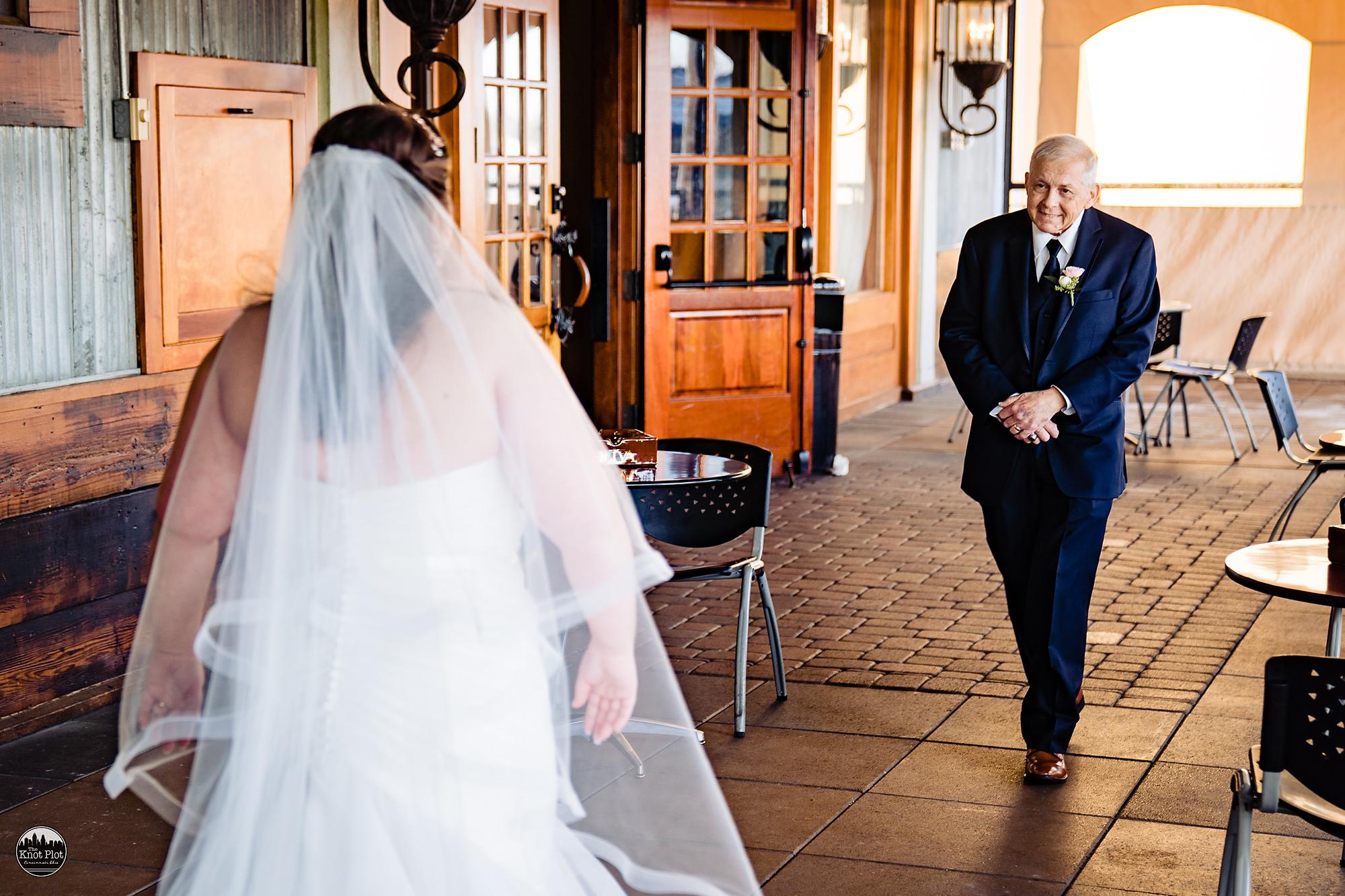 Oscar-Event-Center-Jungle-Jims-Cincinnati-Wedding-Photography-8.jpg
