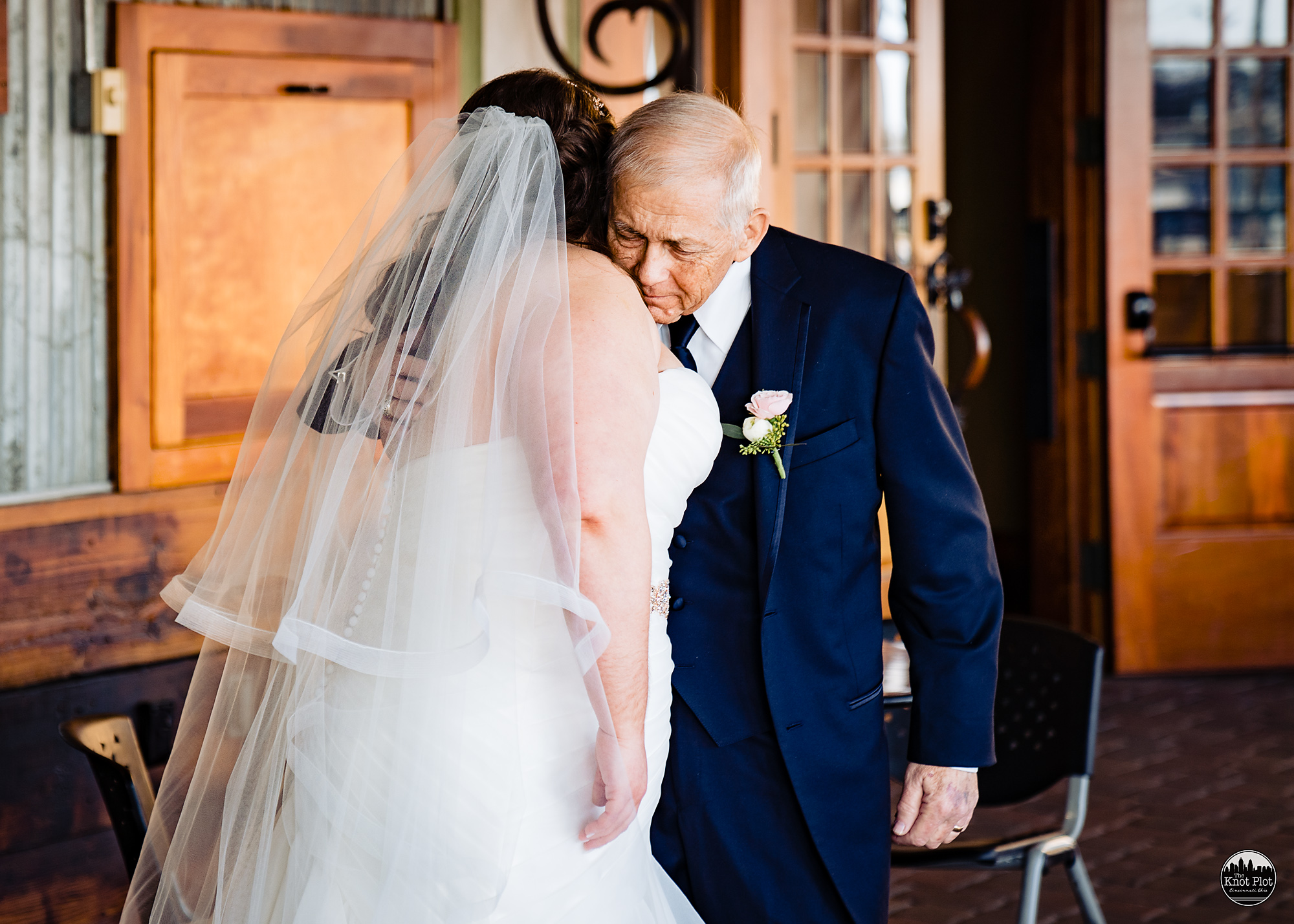 Oscar-Event-Center-Jungle-Jims-Cincinnati-Wedding-Photography-9.jpg