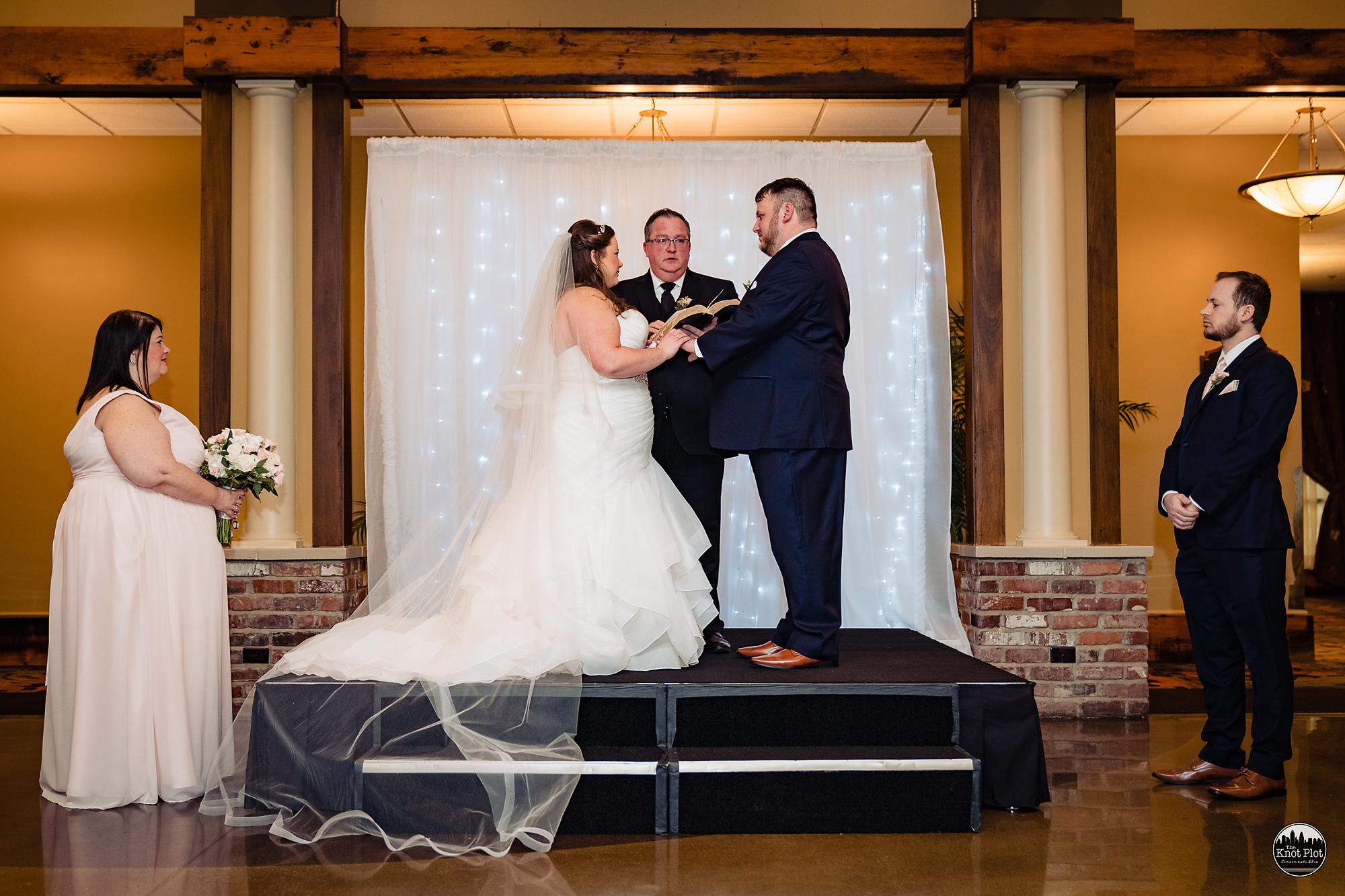 Oscar-Event-Center-Jungle-Jims-Cincinnati-Wedding-Photography-14.jpg