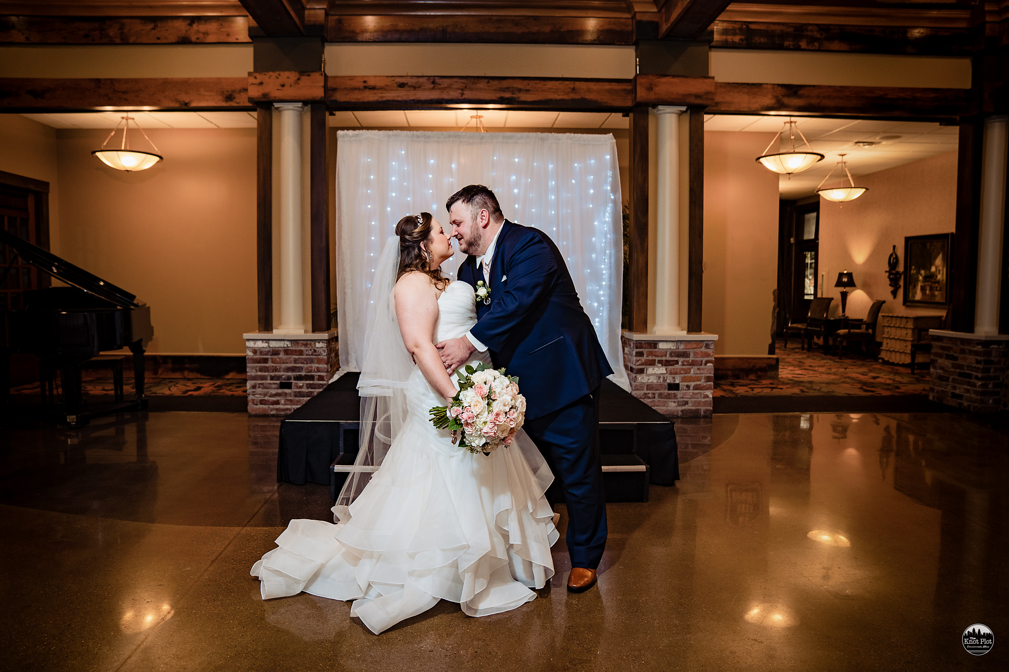 Oscar-Event-Center-Jungle-Jims-Cincinnati-Wedding-Photography-17.jpg