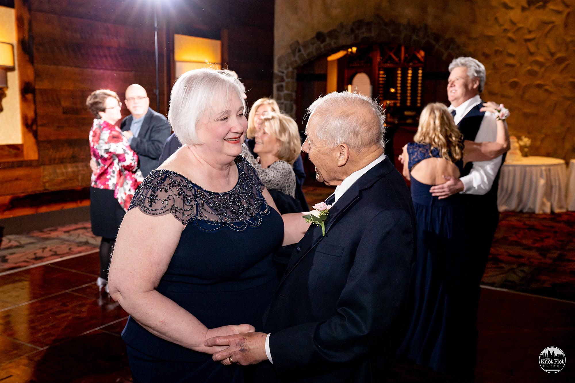 Oscar-Event-Center-Jungle-Jims-Cincinnati-Wedding-Photography-24.jpg