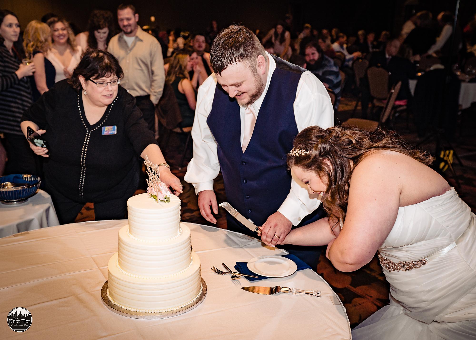 Oscar-Event-Center-Jungle-Jims-Cincinnati-Wedding-Photography-25.jpg