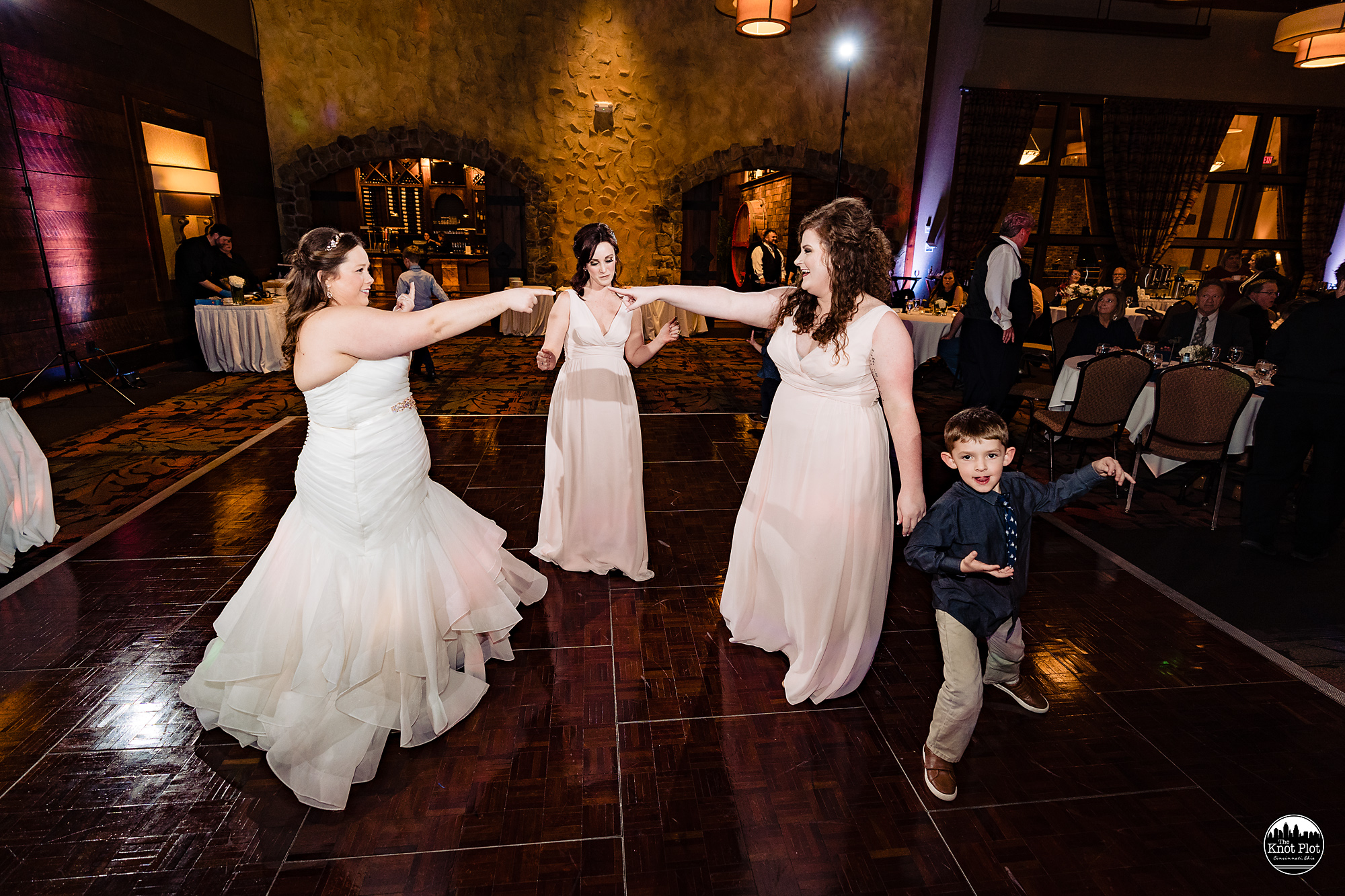 Oscar-Event-Center-Jungle-Jims-Cincinnati-Wedding-Photography-27.jpg