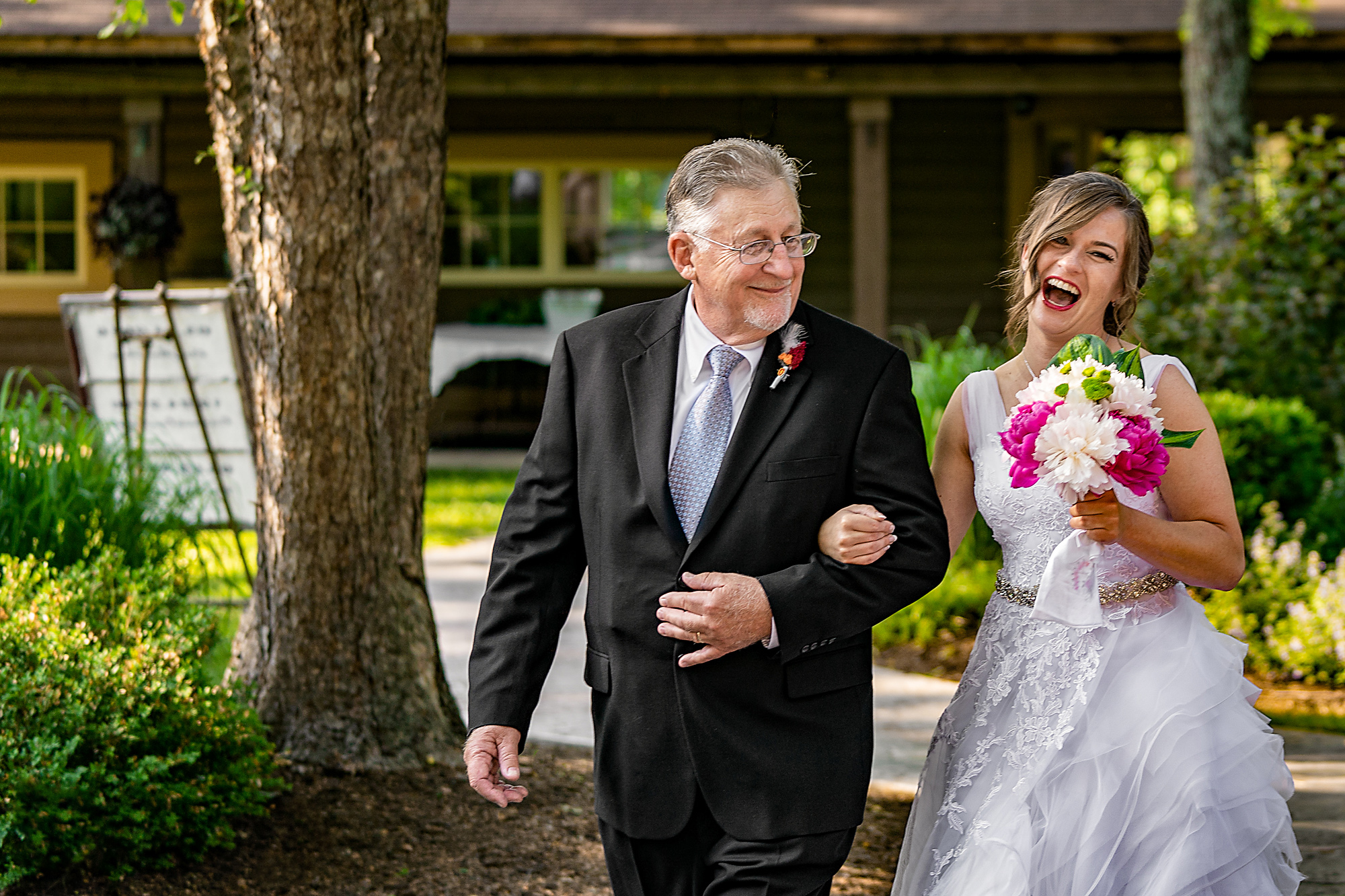 Pattison-Park-Lodge-Wedding-Cincinnati-Ohio-Photographer-3.jpg