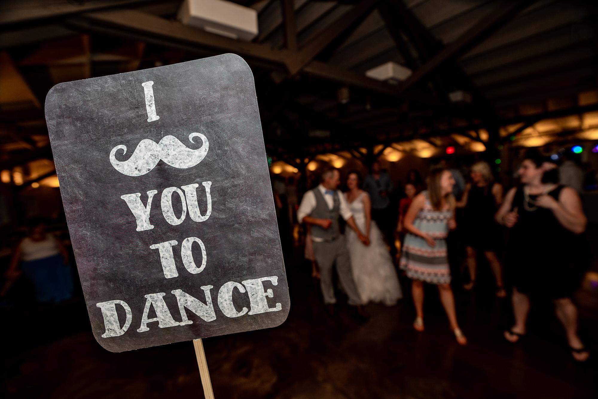 Pattison-Park-Lodge-Wedding-Cincinnati-Ohio-Photographer-10.jpg