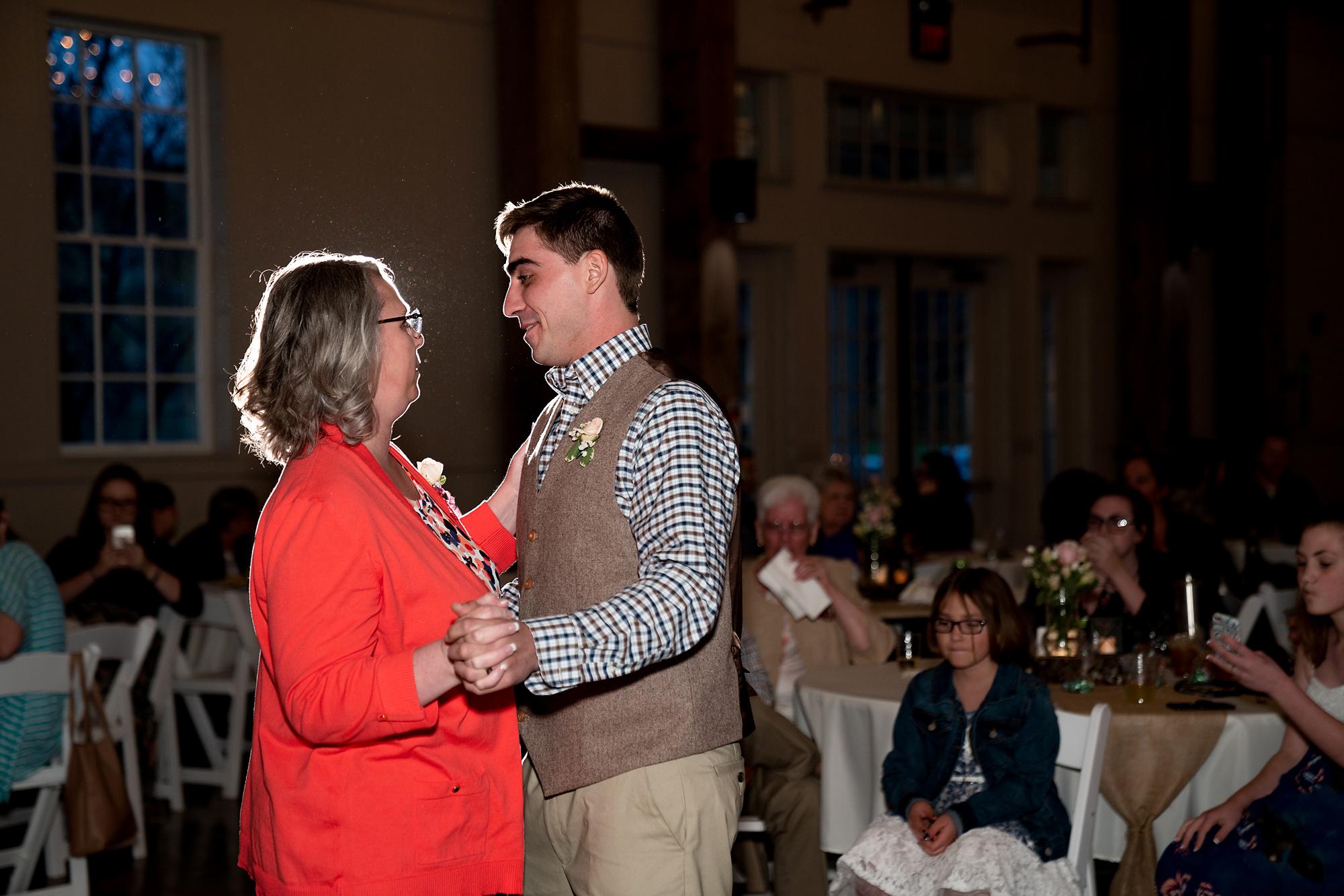 Muhlhauser-Barn-Wedding-Photos-18.jpg