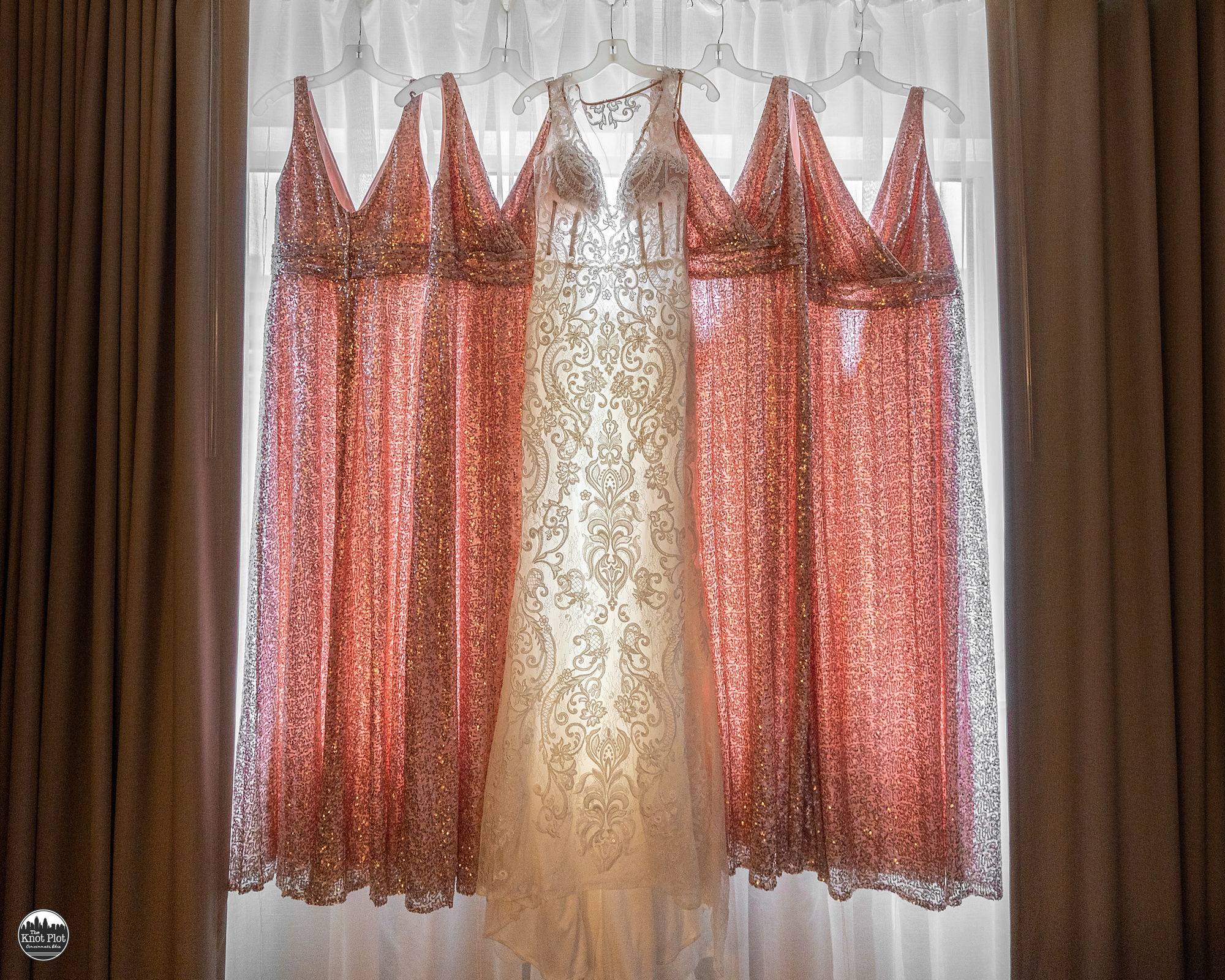 Embassy-Suites-Rivercenter-Cincinnati-Wedding-Photography-3.jpg