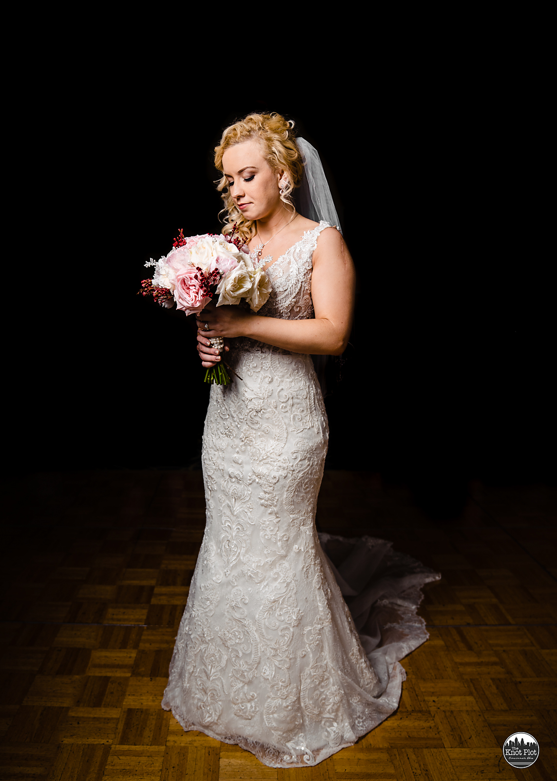Embassy-Suites-Rivercenter-Cincinnati-Wedding-Photography-8.jpg