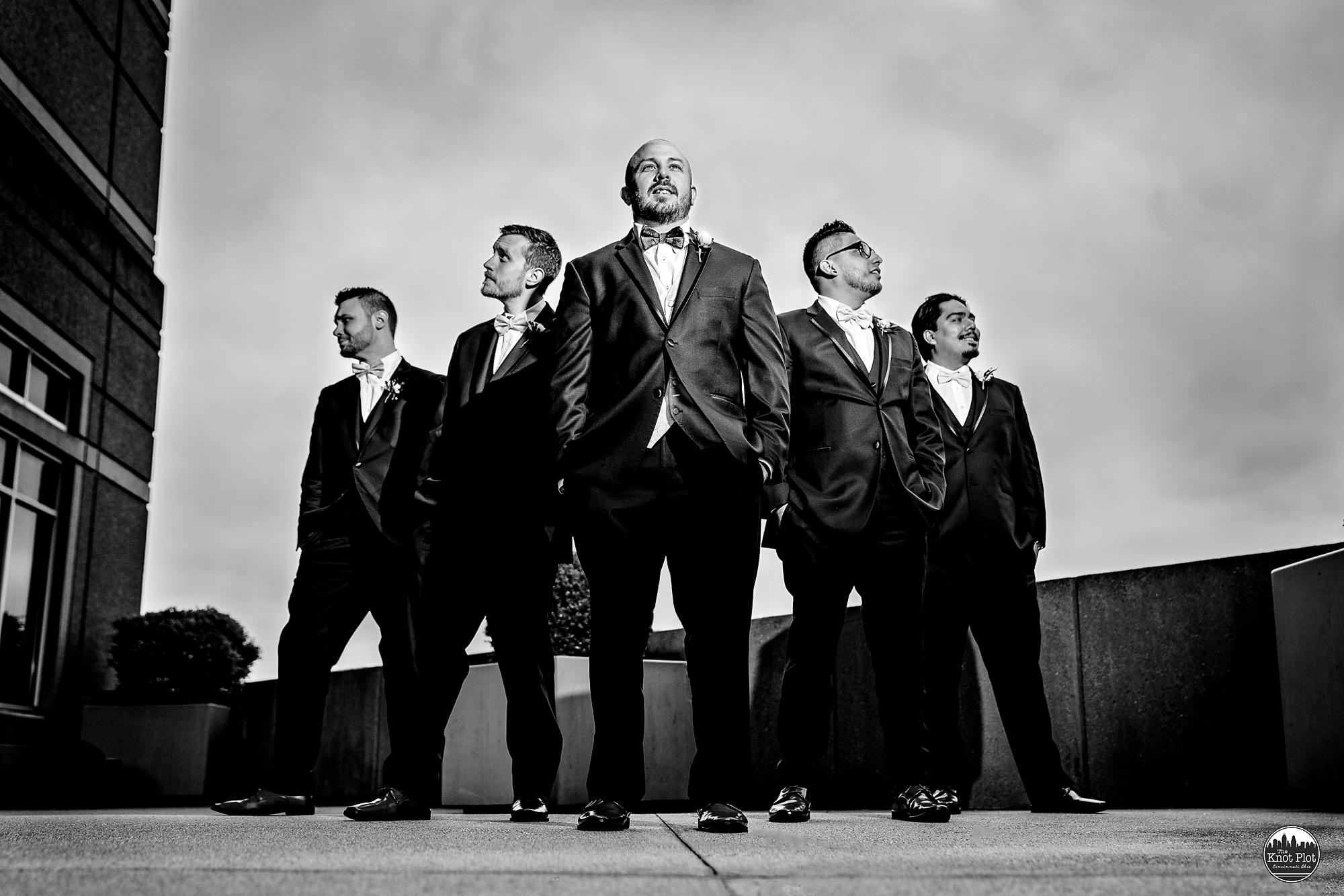 Embassy-Suites-Rivercenter-Cincinnati-Wedding-Photography-11.jpg