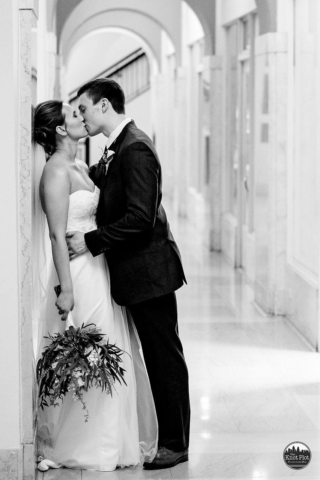 Longworth-Hall-Cincinnati-Wedding-Photography-6.jpg