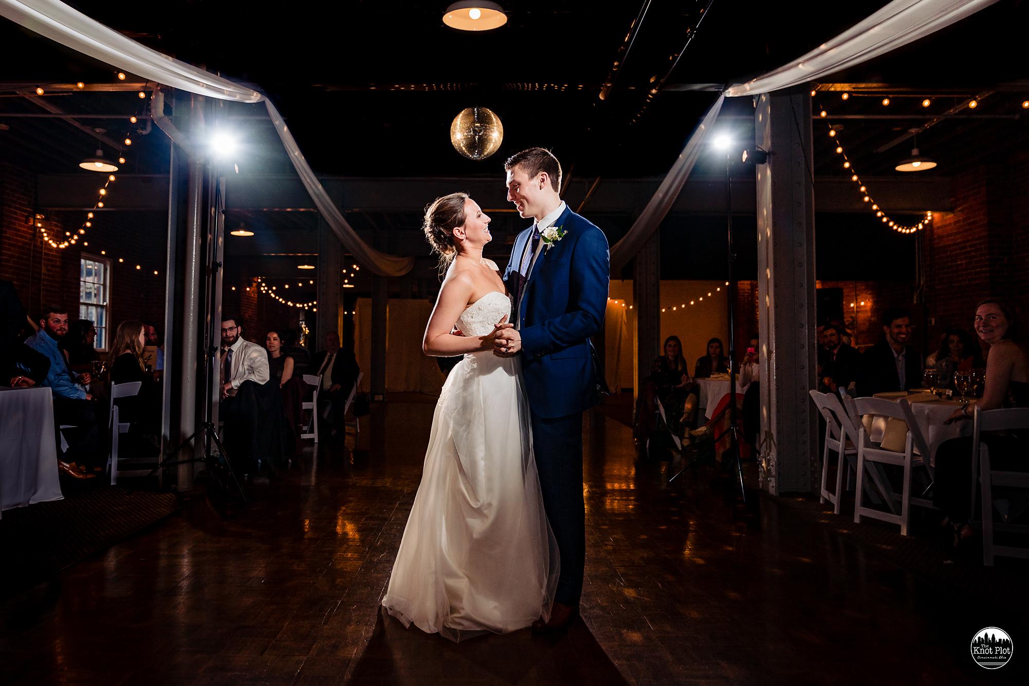 Longworth-Hall-Cincinnati-Wedding-Photography-17.jpg