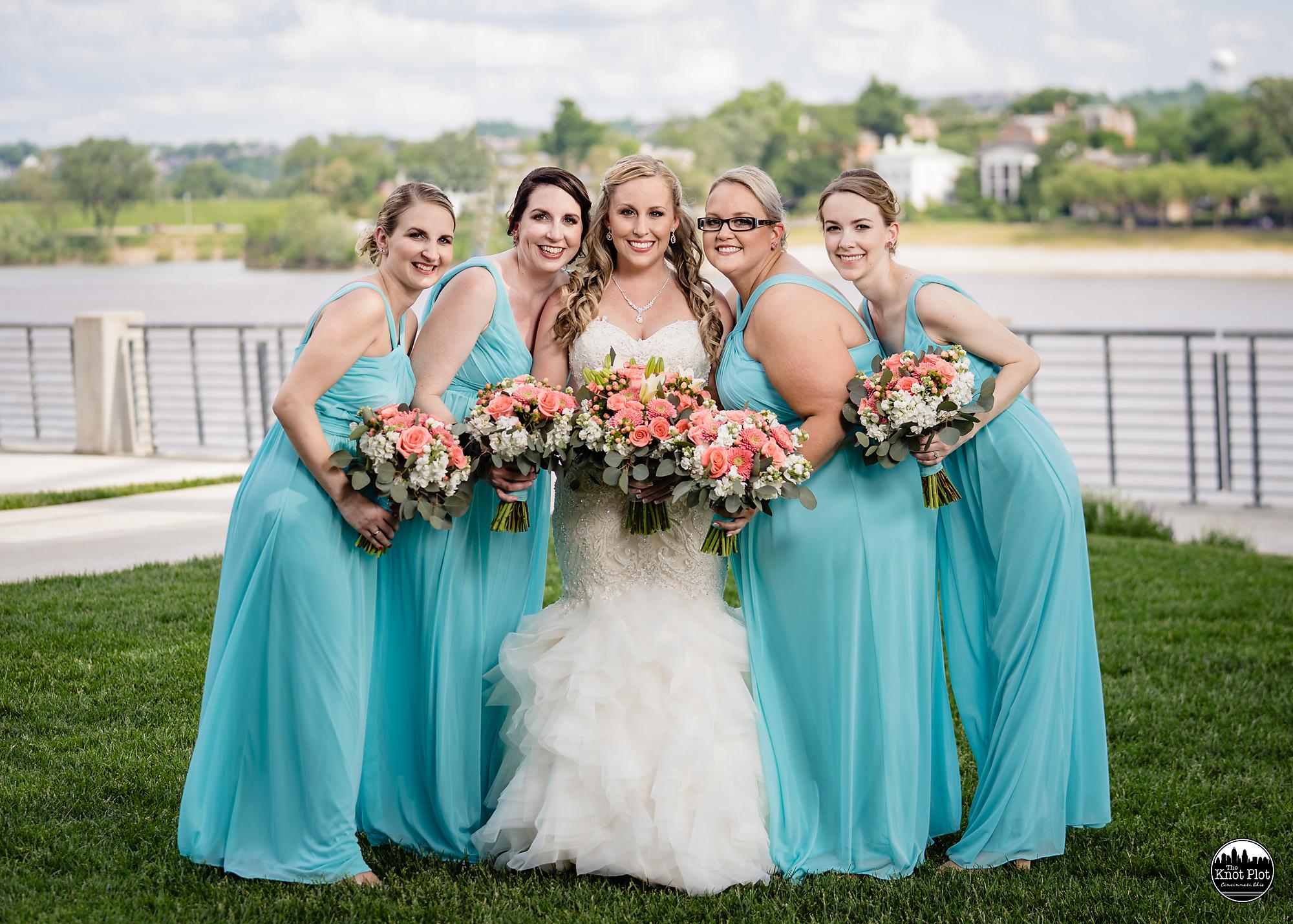Newport-Aquarium-Wedding-Photos-7.jpg