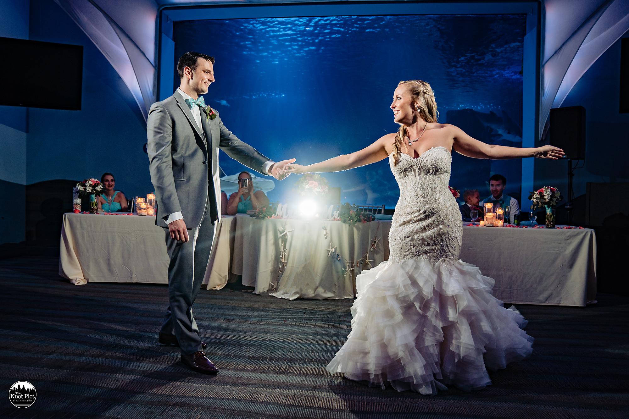 Newport-Aquarium-Wedding-Photos-20.jpg