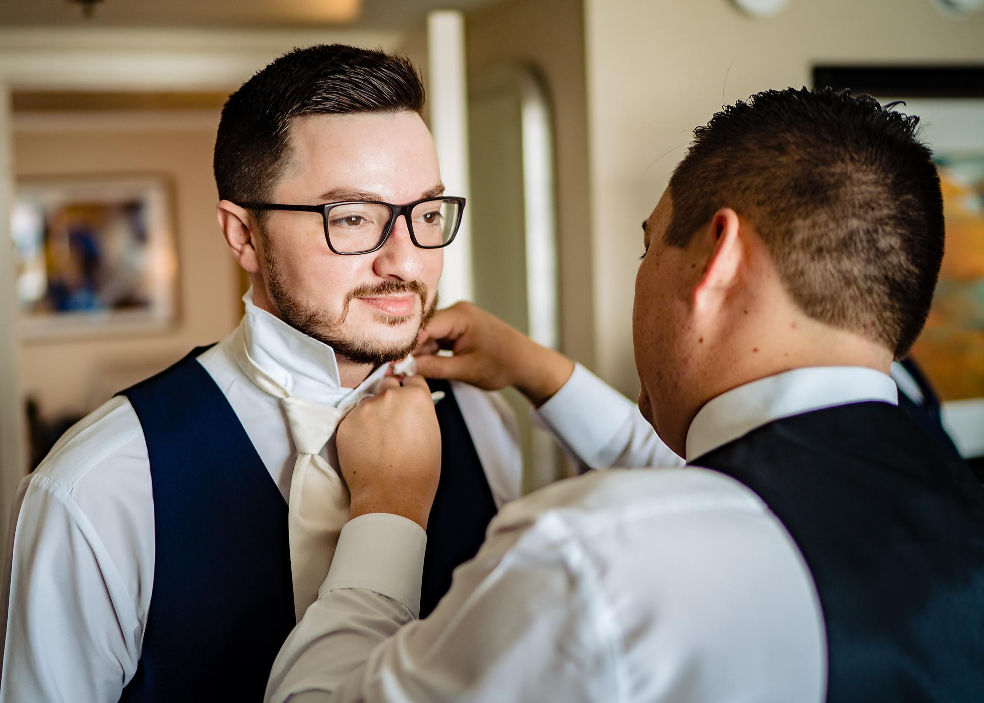 Embassy-Suites-Rivercenter-Wedding-Photography-3.jpg