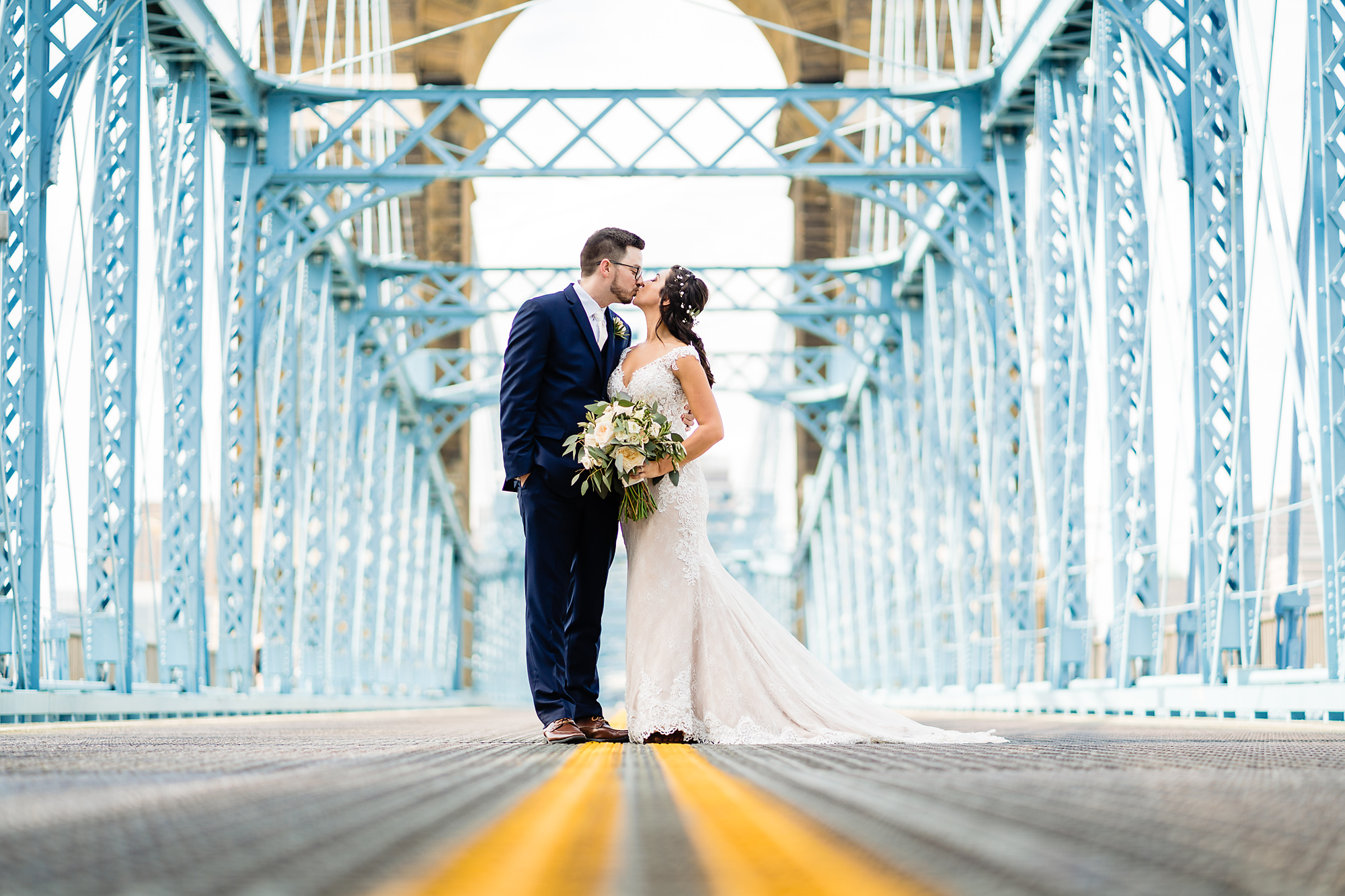 Embassy-Suites-Rivercenter-Wedding-Photography-14.jpg