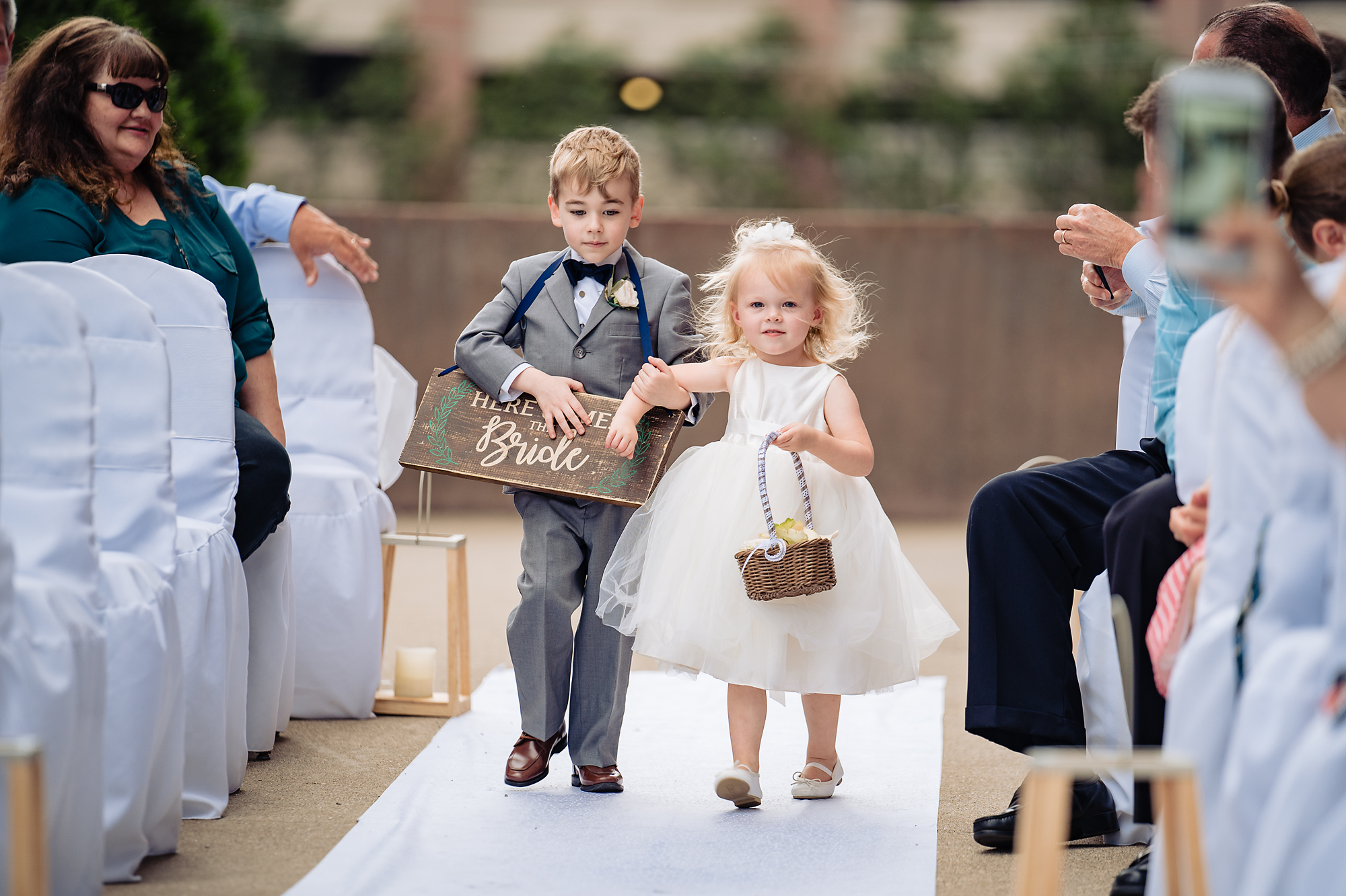 Embassy-Suites-Rivercenter-Wedding-Photography-18.jpg