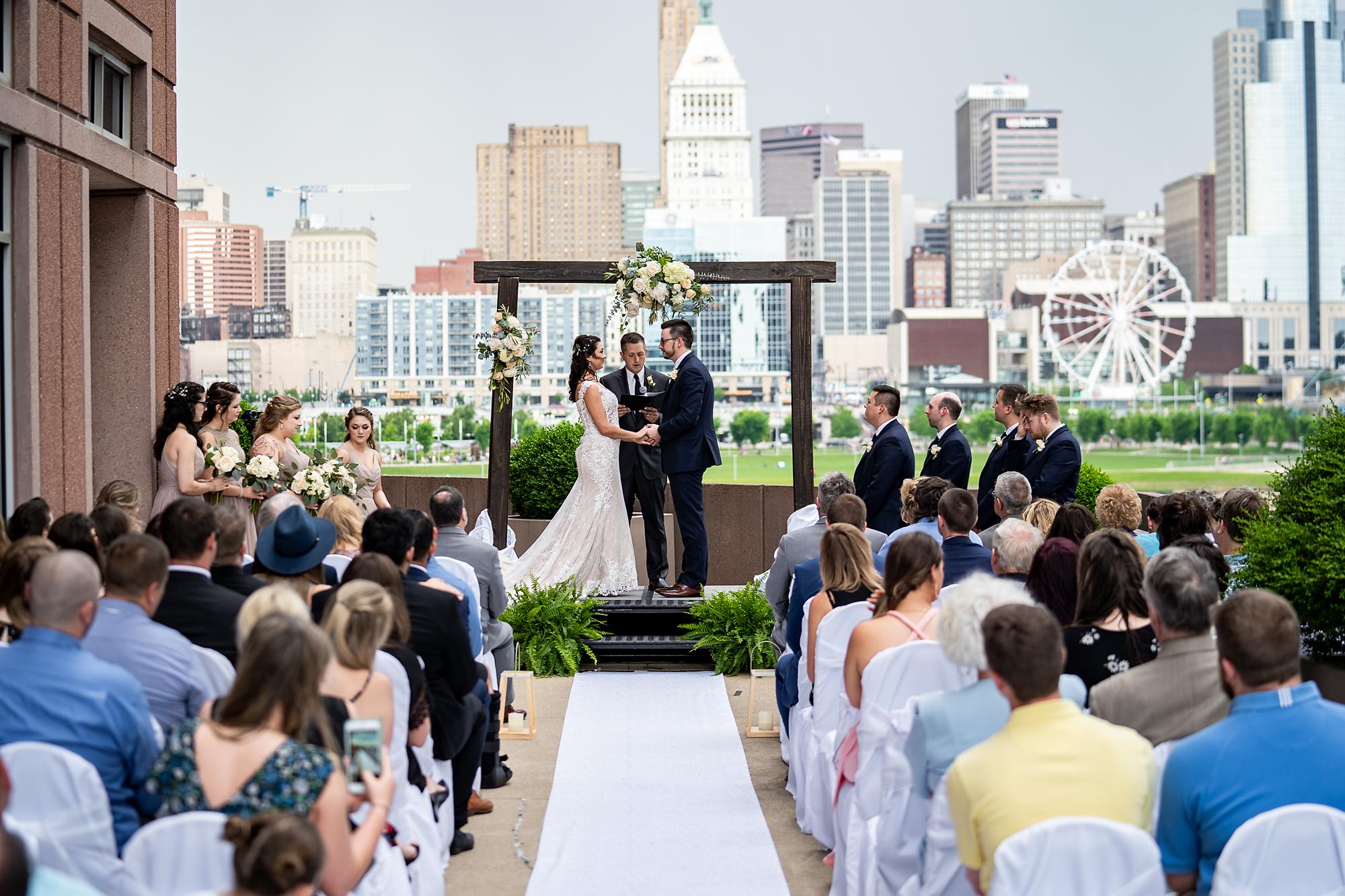 Embassy-Suites-Rivercenter-Wedding-Photography-21.jpg