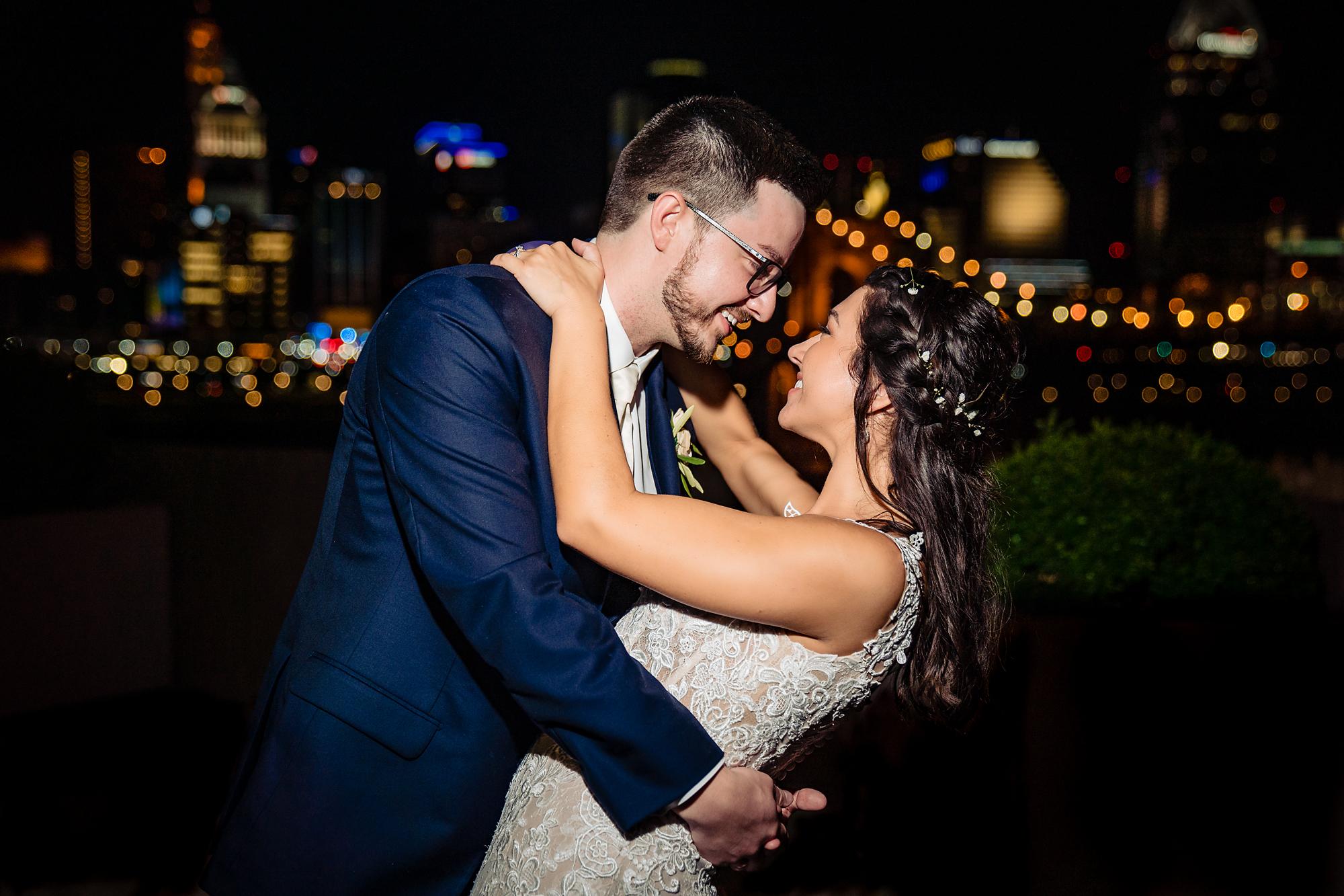 Embassy-Suites-Rivercenter-Wedding-Photography-38.jpg