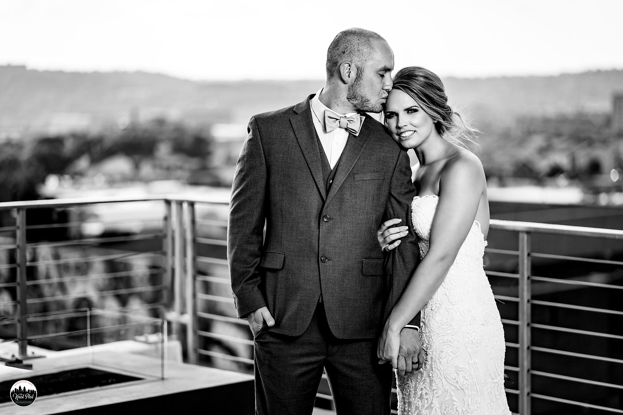 Strietmann-Penthaus-OTR-Cincinnati-Wedding-Photography-16.jpg