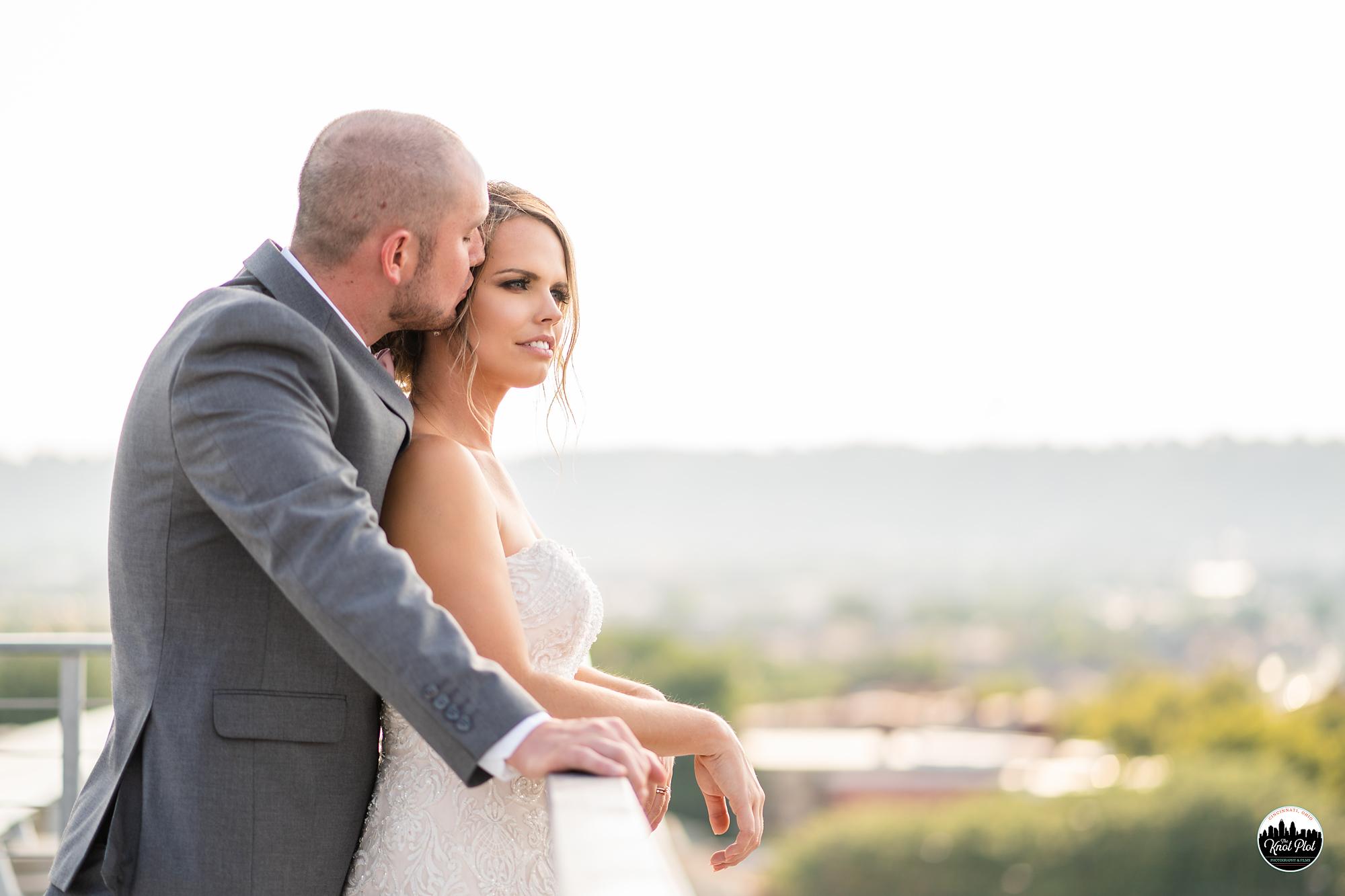 Strietmann-Penthaus-OTR-Cincinnati-Wedding-Photography-17.jpg