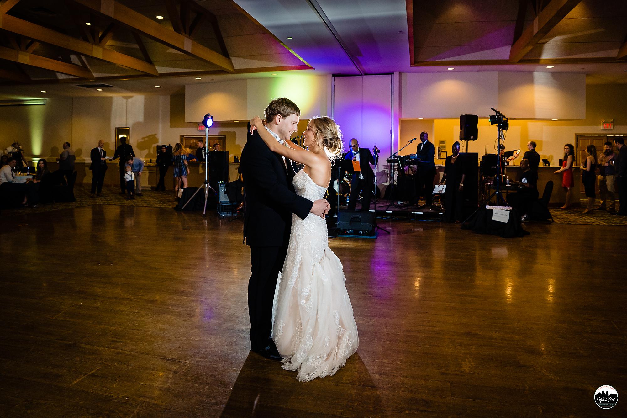 Hyde-Park-United-Methodist-Church-Cincinnati-Wedding-Photography-34.jpg