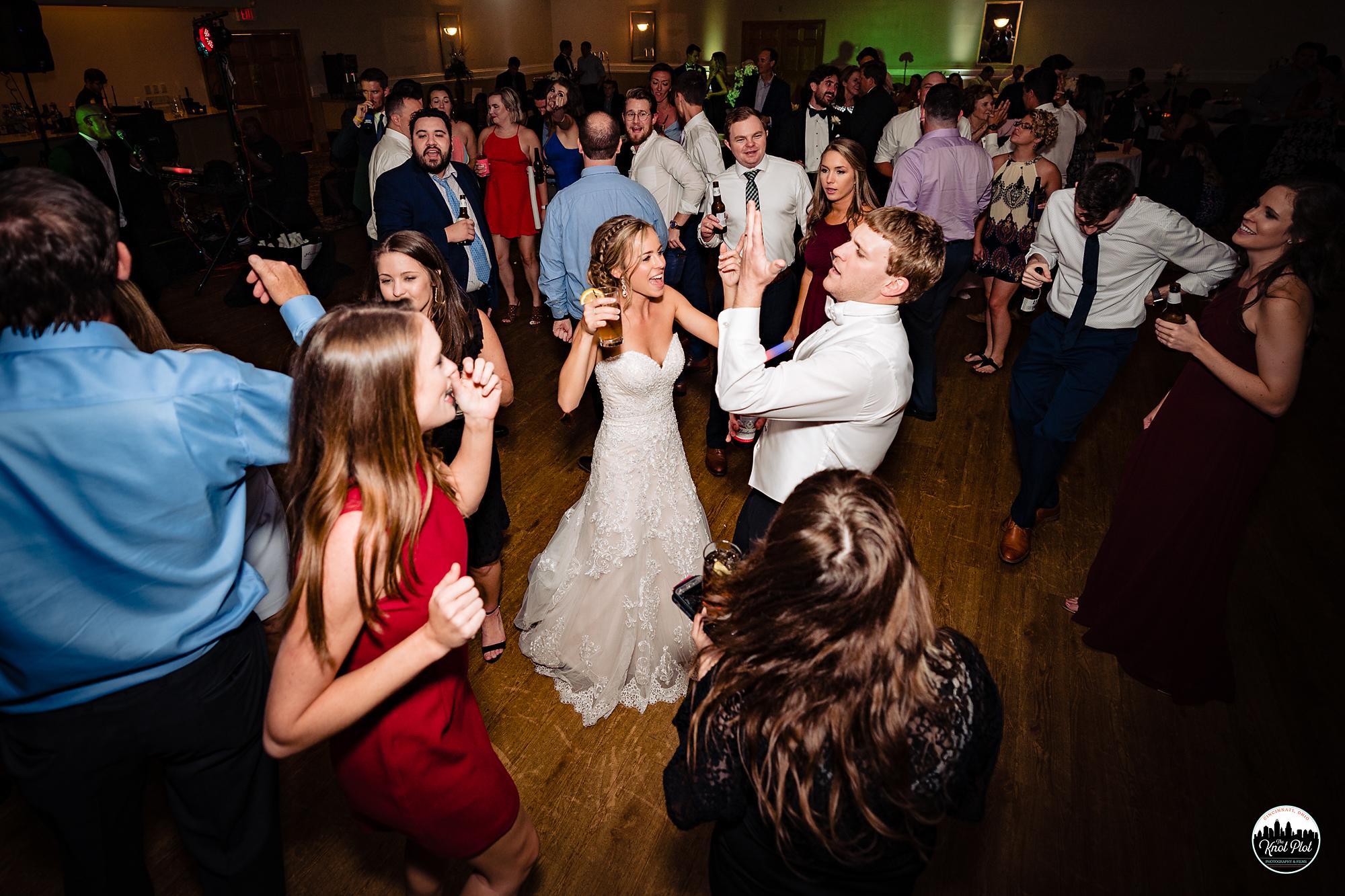 Hyde-Park-United-Methodist-Church-Cincinnati-Wedding-Photography-40.jpg