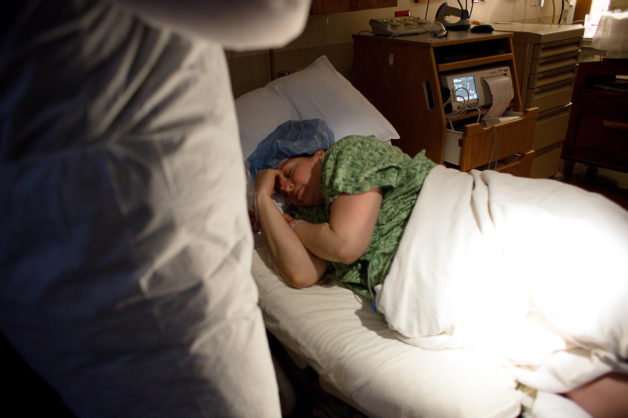 Heather Nischke Birth Services- Milwaukee Birth Photographer- Milwaukee Doula-Milwaukee Birth Stories-23.jpg