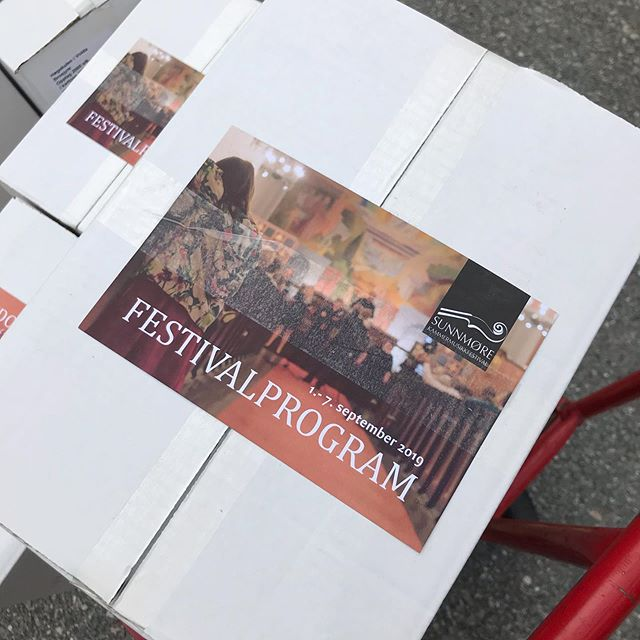 Årets festivalprogram har kome frå trykkeriet!