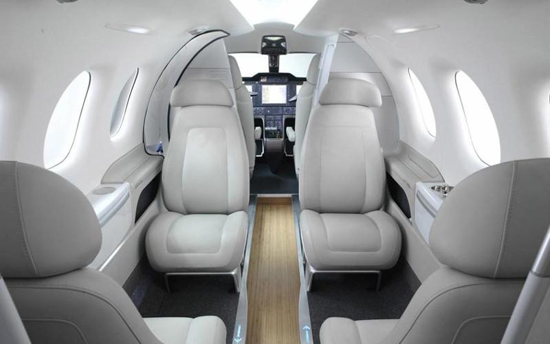 embraer 100-int.jpg