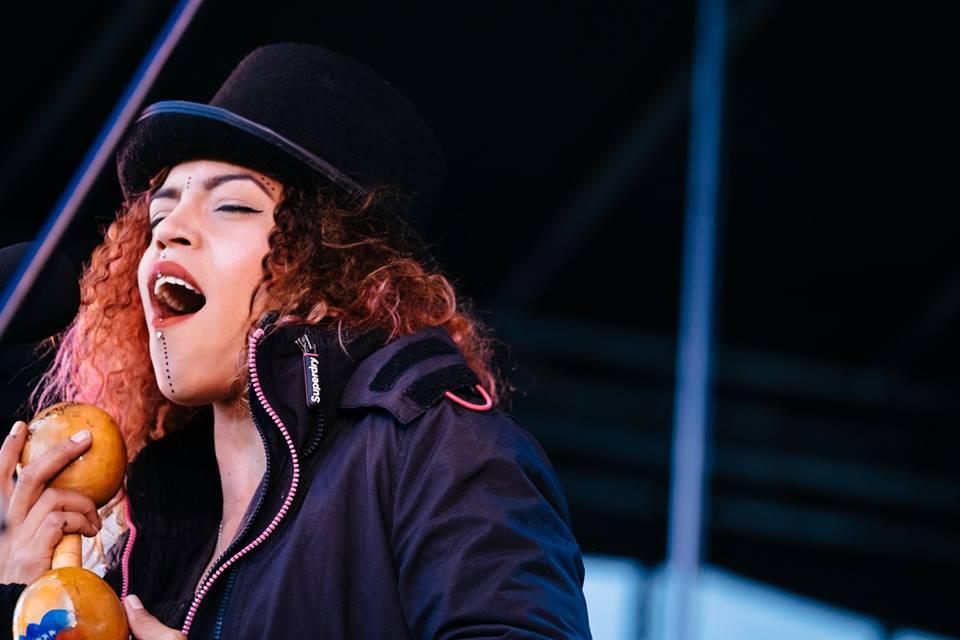 Viover, Venezuela, Singer