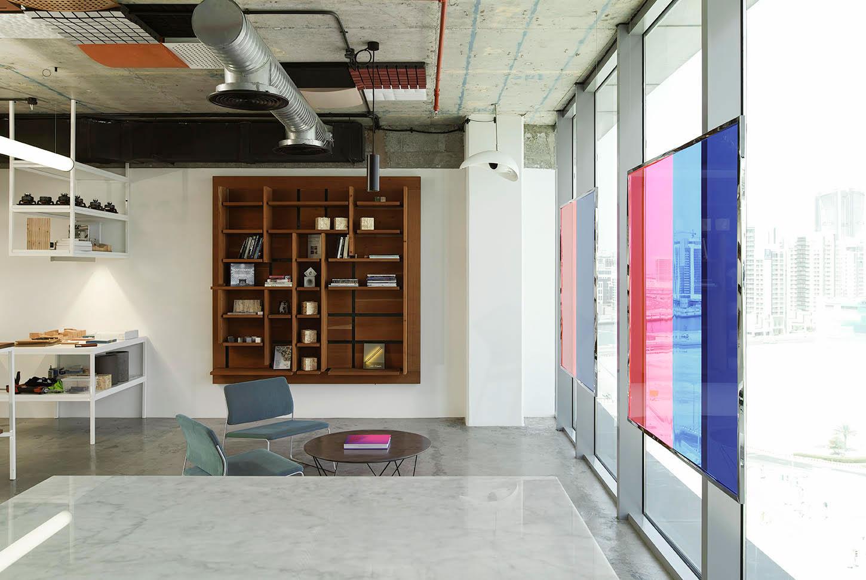 metal-and-wood-21db-office-dubai-3.jpg