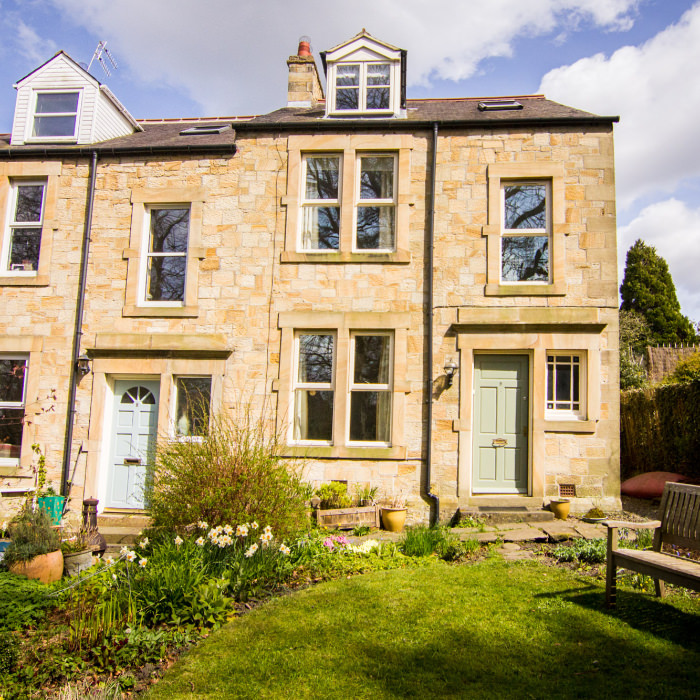 STAY WITH US - For those attending a workshop from further afield, we welcome course participants looking for friendly and informal B and B accommodation.Hexham is a beautiful town, with good restaurants, pubs, cafes and a variety of shopping. We can recommend alternative B&Bs or self catering.