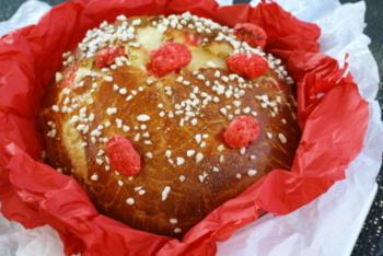 Goûtez la célèbre brioche aux pralines de Saint-Genix