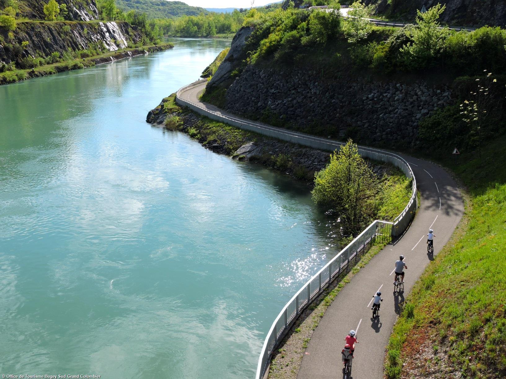 Explorez la ViaRhôna à pied, en vélo, en roller…