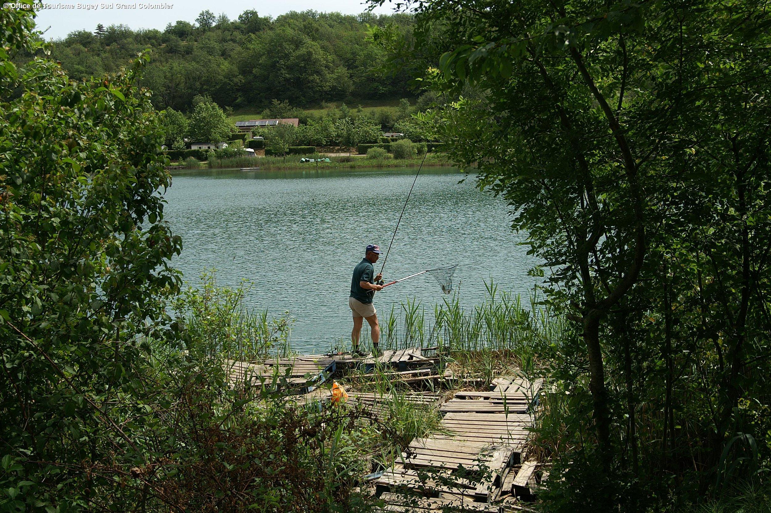 Pêchez dans les nombreux étangs et lacs de la région