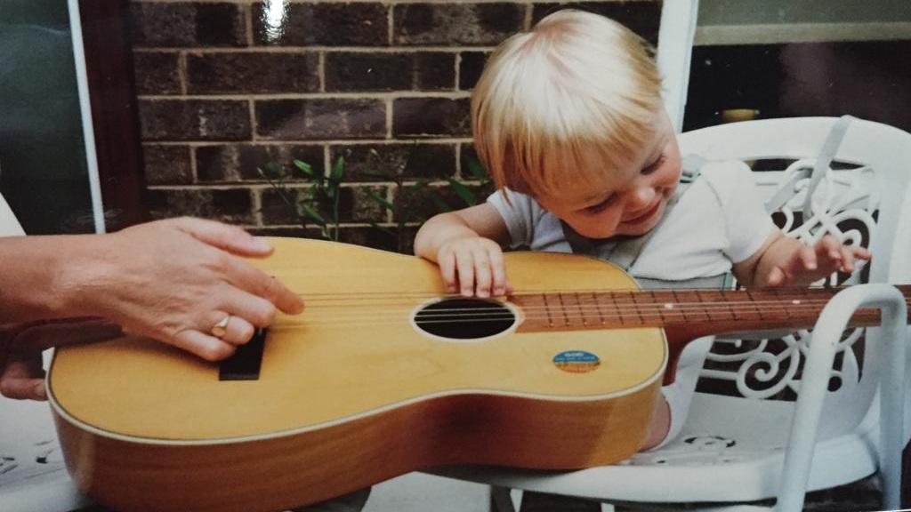 Matt%27s+first+guitar.jpg