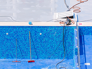 Swimming-pool-cleaning-and-repairs-000025066174_Large.png