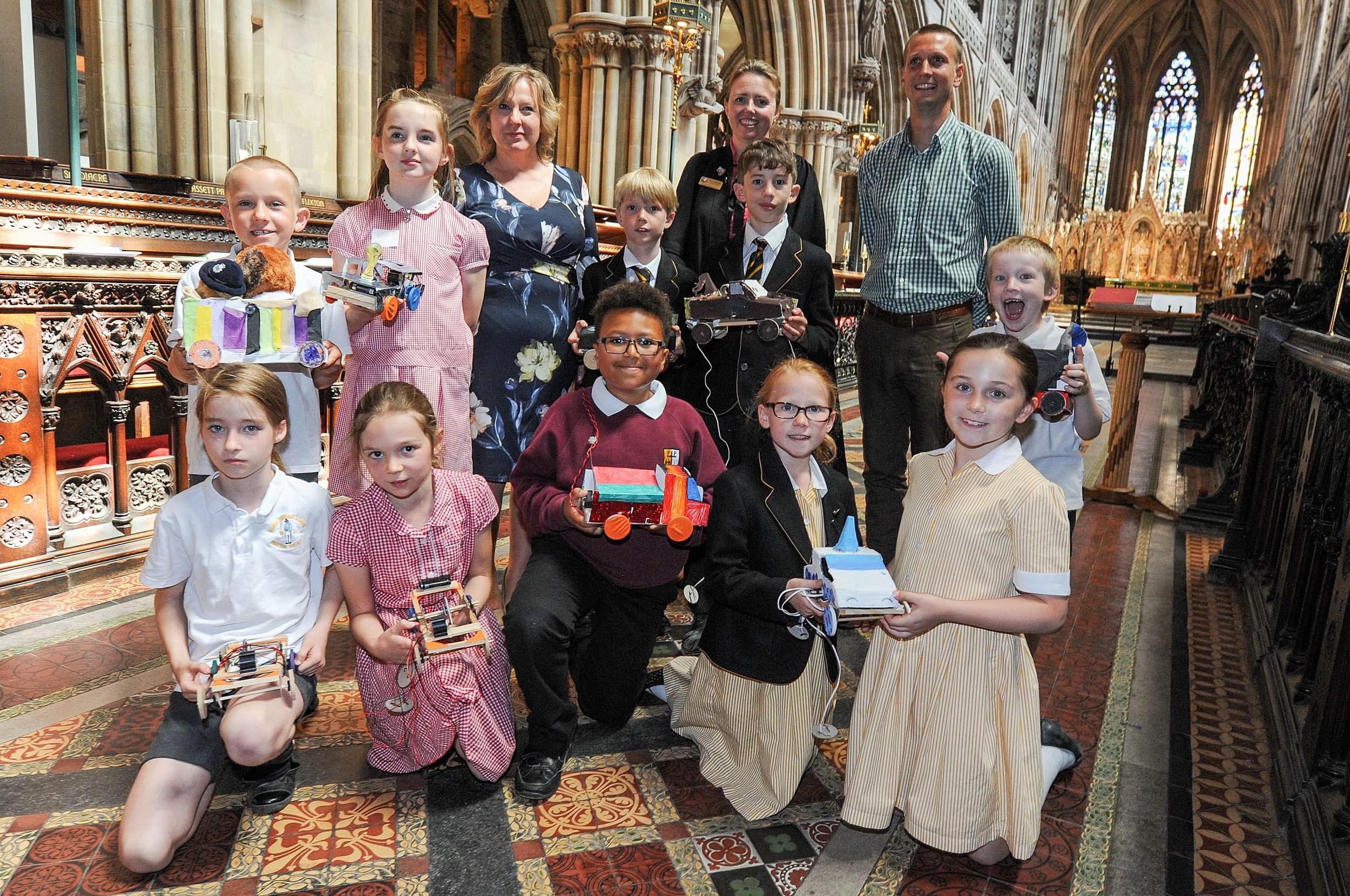 Julie Peters, science teacher; Susan Hannam, head Litchfield Cathedral School, Edward Garrett, BECSLink and pupils.jpg