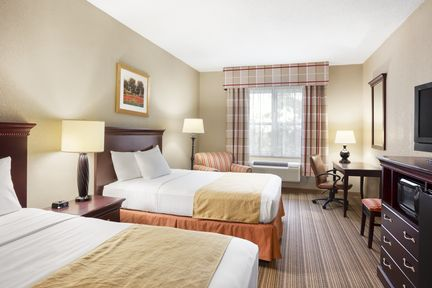 Country Inn & Suites - 1100 Danby Road(607) 256-1100