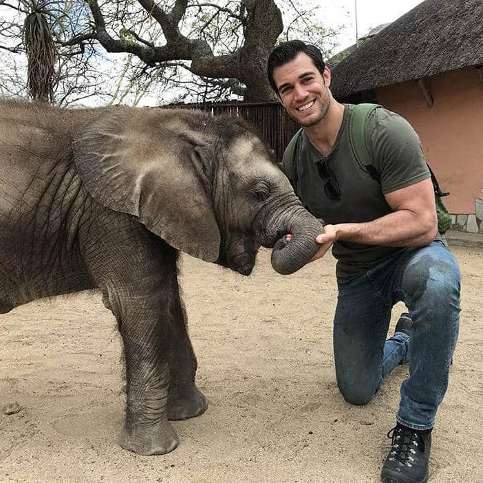 Evan Antin, DVM - Veterinarian, Conejo Valley Veterinary HospitalAnimal Planet's Evan Goes Wild Television Series