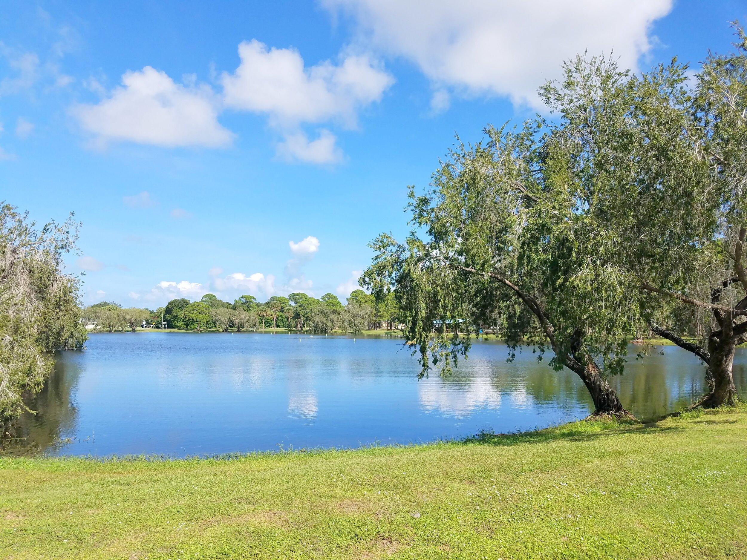Lake View 1.jpg