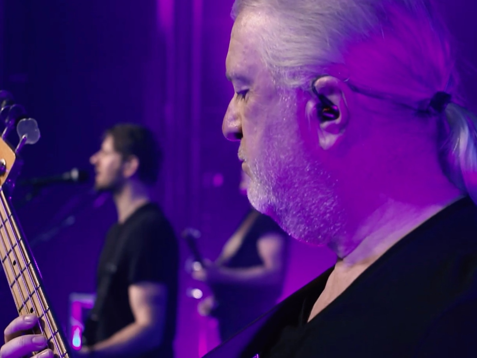 "Testimonial - ""Massive thanks to the Filma King team. Broadcast quality, full stop! It sets us apart from the other Pink Floyd tributes - looking much more like a show with a slick production, rather than just a gig.""- David Power - UK Pink Floyd Experience"