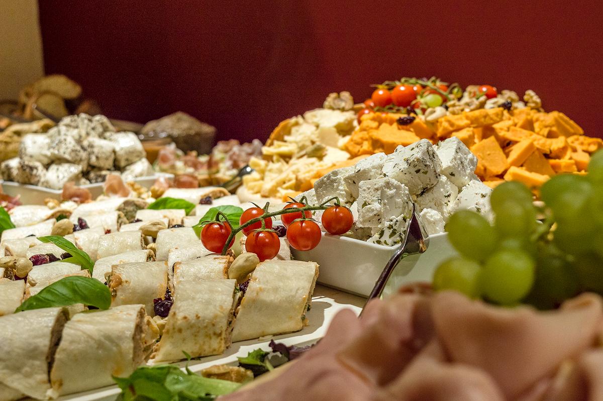 cheese platter table 5.jpg