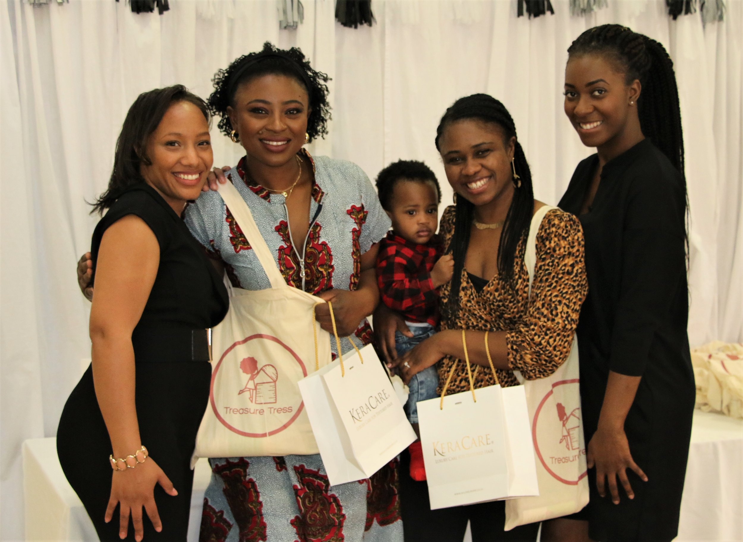 The Feel Good Community Charity   Mothers Day Brunch  Photography:  Des Chisholm
