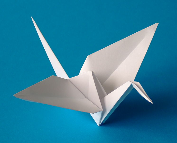 An origami paper crane. photo by Andreas Bauer/Wikimedia Commons