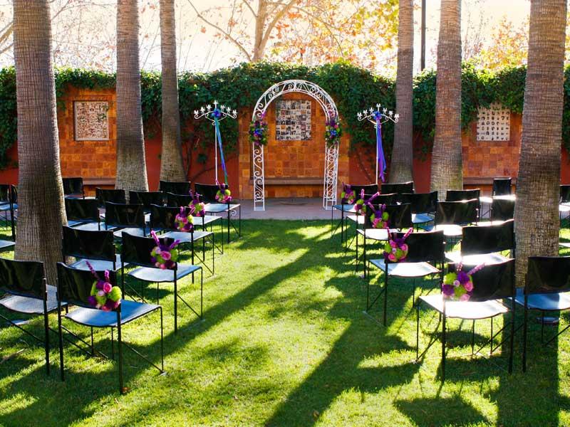 Chinampa Garden - Max Occupancy 200WiFi AccessHistorical Mexican ArtGarden TrellisRunning Fountain Sanctuary
