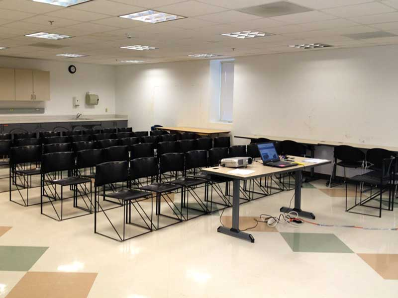 Classroom - Max Occupancy 505 ClassroomsDesks and ChairsWhiteboardProjector/AV EquipmentWiFi AccessHeating/Air ConditioningSink