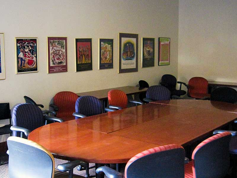 Green Room - Max Occupancy 33Large meeting tableWiFi AccessHeating/Air Conditioning